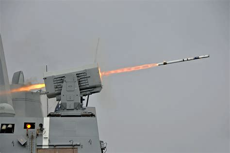 RIM-116 Rolling Airframe Missile - Wikipedia