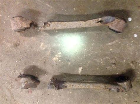 Ford Expedition Rear Trailing Arms (Four link) - YouTube