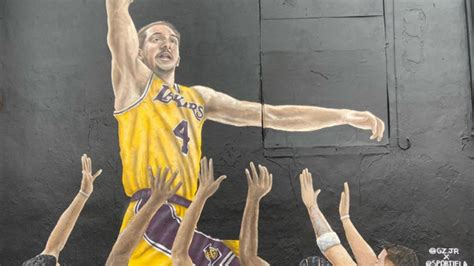 Alex Caruso now has mural featuring a bunch of NBA stars