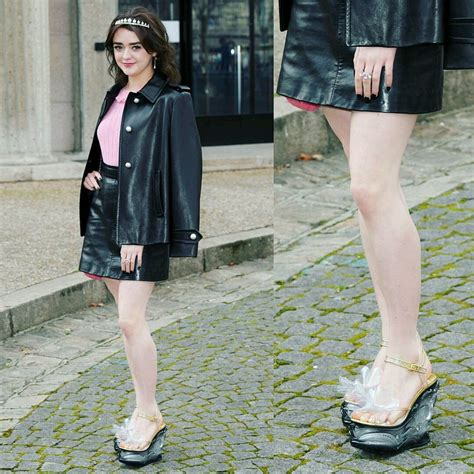 Maisie Williams - Amazing toes and feet : CelebrityFeet